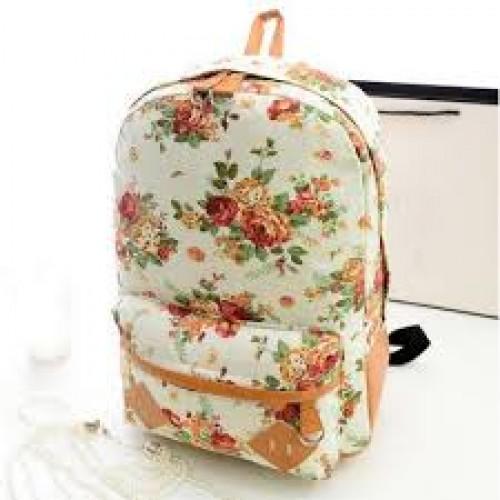 Модный рюкзак в цветочек
